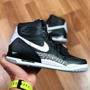 NEW Nike Air Jordan Legacy 312  (GS) (AT4040-001)